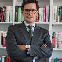 Bruno Arteiro Coutinho é advogado com experiência em Direito do Trabalho e Segurança Social, Direito Societário, Direito Contencioso e Direito Marítimo.